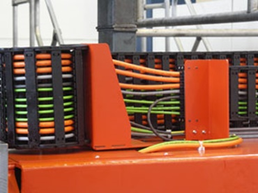 Picture of igus® chainflex® cables in the energy chain.